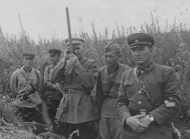 Галанин с офицерами штаба. 1941 г.