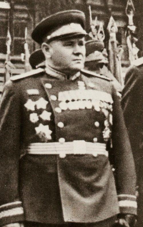 Еременко на Параде Победы. 1945 г.