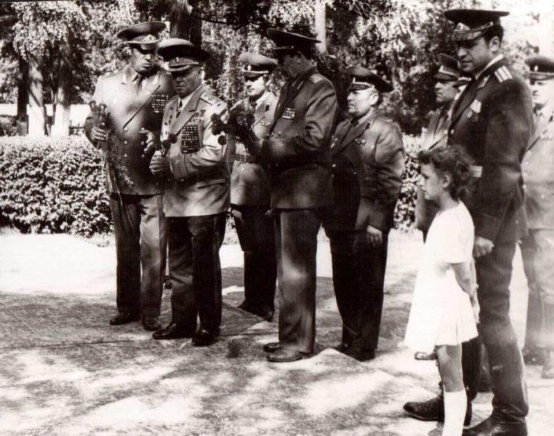 Командарм Лелюшенко в воинской части в Эберсвальде. 1983 г.