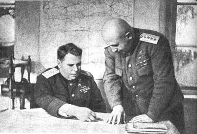 Командующий 3-м Белорусским фронтом А.М.Василевский и его заместитель И.Х.Баграмян. 1945 г.
