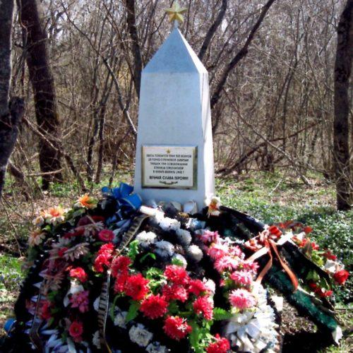 ст-ца. Смоленская Северского р-на. Братская могила советских воинов, погибших в боях с фашистскими захватчиками.