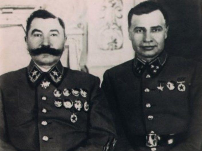 С.М. Будённый и М.П. Кирпонос. 1941 г.