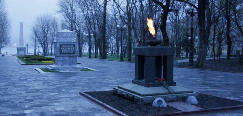 Общий вид мемориала «Площадь Героев».