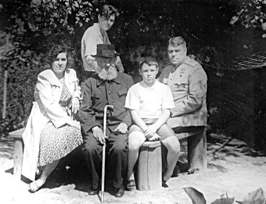 Василевский с семьей. 1955 г.