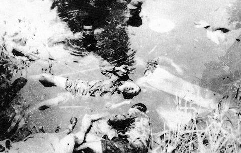 Казненные японскими солдатами китайцы в пруду в окрестностях Нанкина. Декабрь 1937 г.