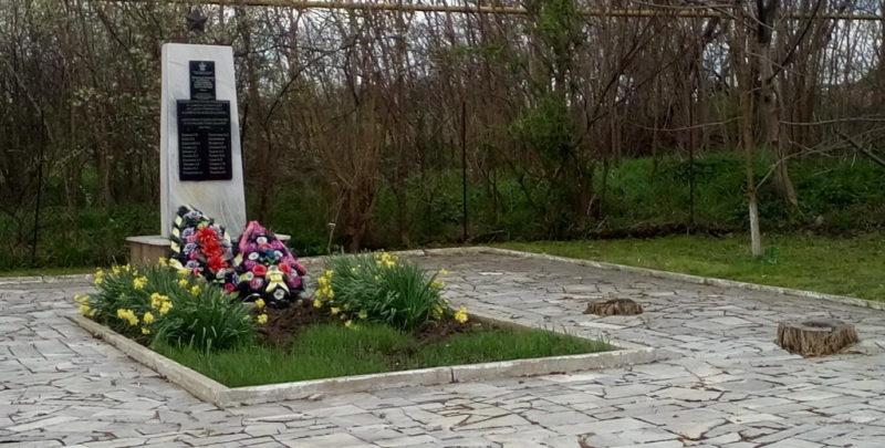 х. Фокин Первый Белореченского р-на. Памятник по улице Позиционной, установленный на братской могиле партизан, замученных оккупантами.