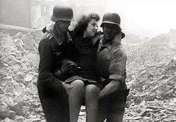 Берлин. Утро после британской бомбежки. Август 1943 г.