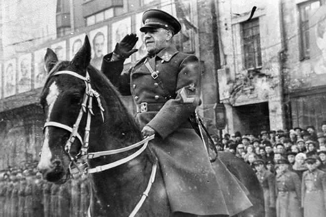 Жуков на параде. 1940 г.