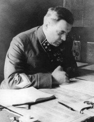 Командующий Ленинградским фронтом генерал-лейтенант артиллерии Л.А. Говоров, 1942 г.