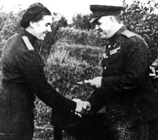 Лидия Захарова – походно-полевая жена Жукова. 1944 г.