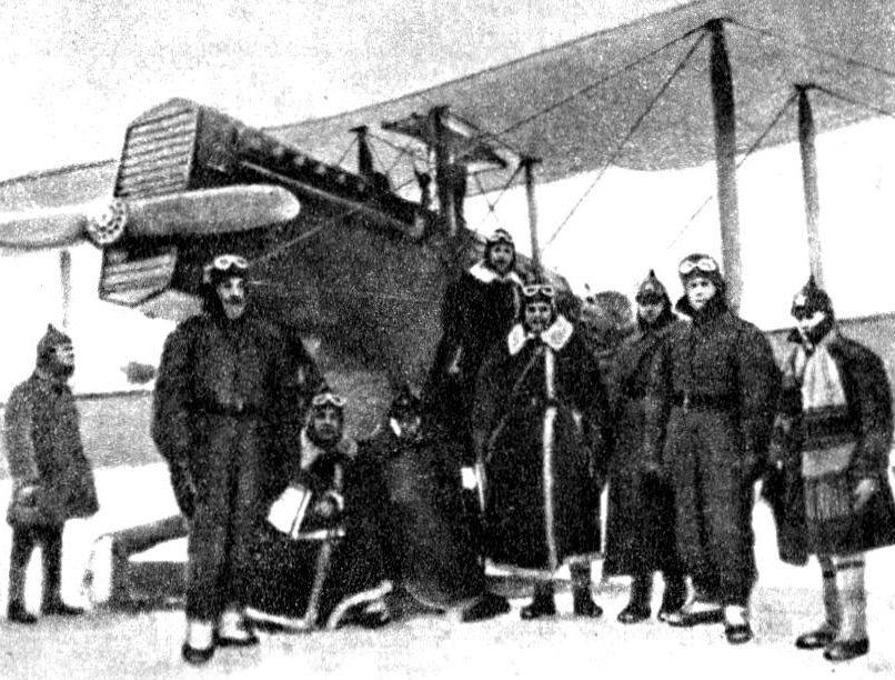 Конев (пятый справа) на занятиях КУВНАС Военной академии имени М.В. Фрунзе. 1926 г.