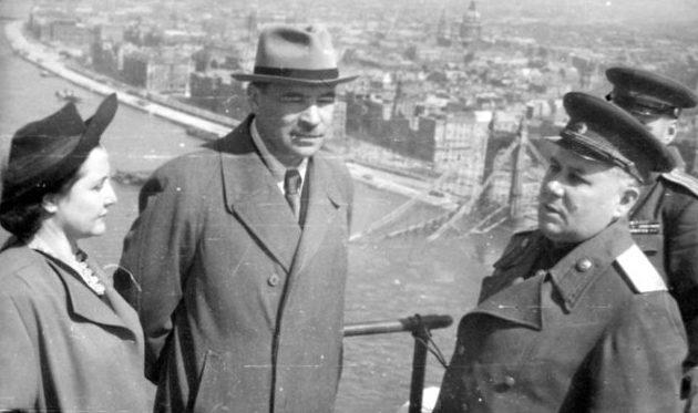 Л.А. Говоров в отпуске с женой в Будапеште. 1946г.