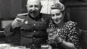 Баграмян с супругой. 1948 г.