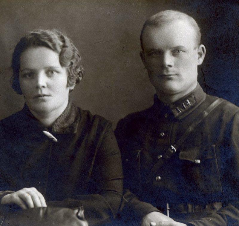 Голиков с женой. 1932 г.
