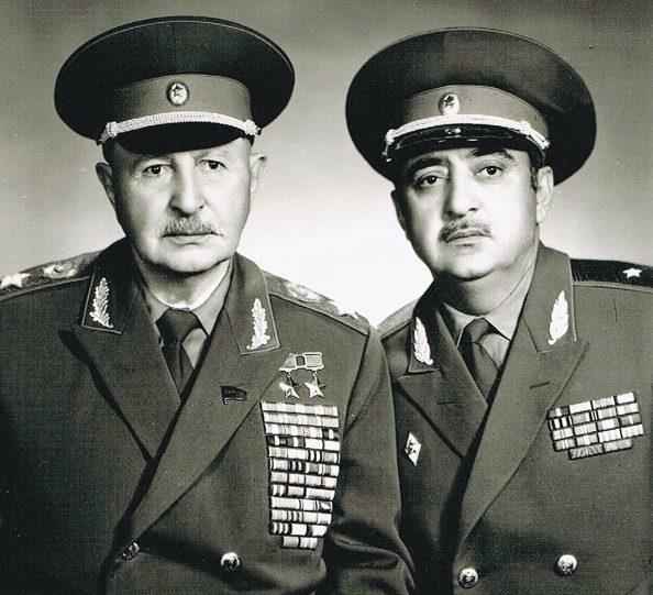 Иван Баграмян с племянником Ильей Баграмян. 1977 г.