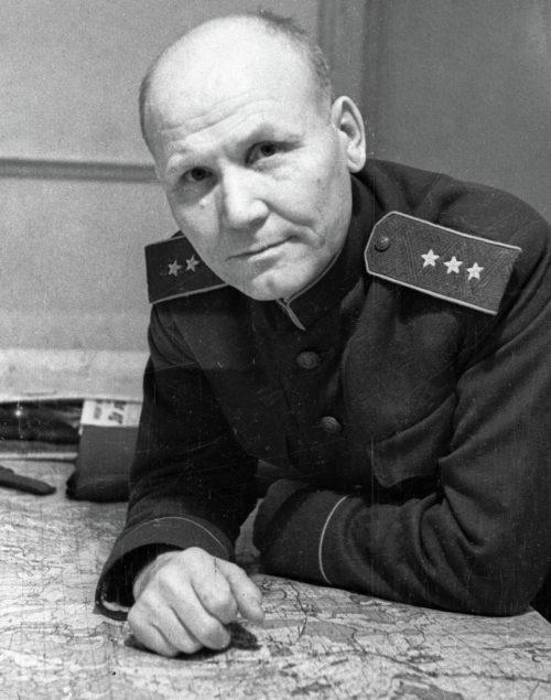 Генерал-полковник Конев - командующий войсками Степного фронта. 1943 г