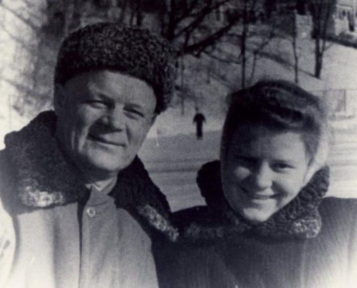 Голиков с женой. 1948 г.