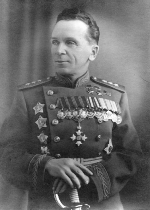 Генерал-полковник Батов. 1944 г.