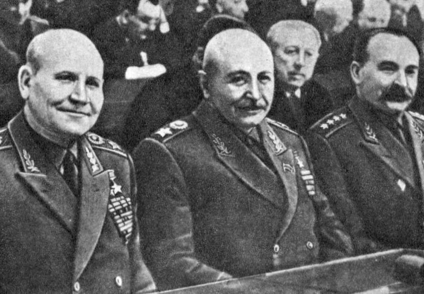 И.С. Конев, И.Х. Баграмян и М.И. Казаков на сессии Верховного Совета СССР. Май 1960 г.