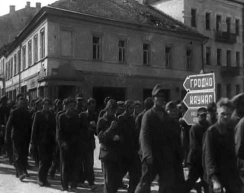 Военнопленные немцы на улице Вильнюса. 1944 г.