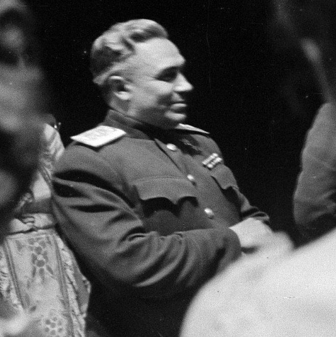 Генерал-полковник Берзарин. Апрель 1945 г.