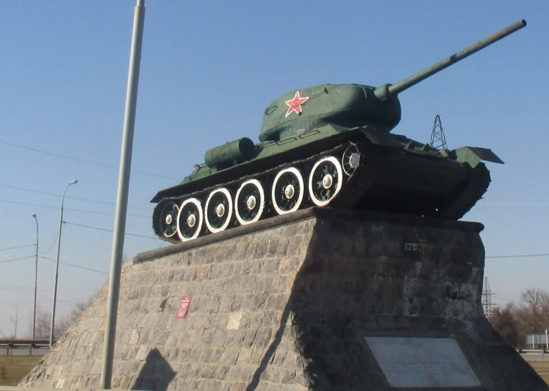 х. Телегин Красноармейского р-на. Памятник-танк Т-34, установленный в честь воинов-танкистов, освобождавших Кубань.