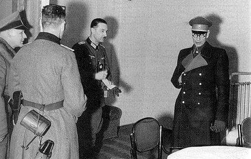 Власов. 1945 г.