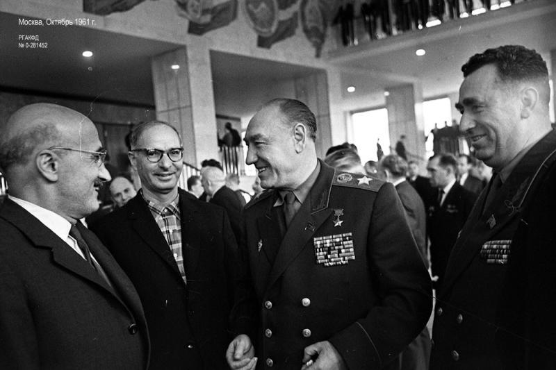 С.С. Бирюзов и члены делегации Коммунистической партии Турции на XXII съезде КПСС. Москва, октябрь, 1961 г.