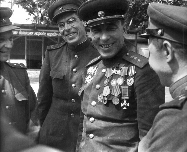 Генерал-полковник Богданов. Апрель 1944 г.