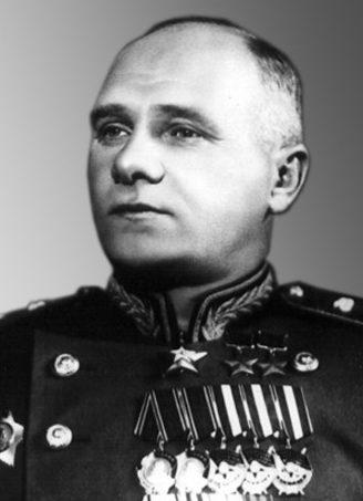 Маршал бронетанковых войск – Богданов С.И. 1945 г.
