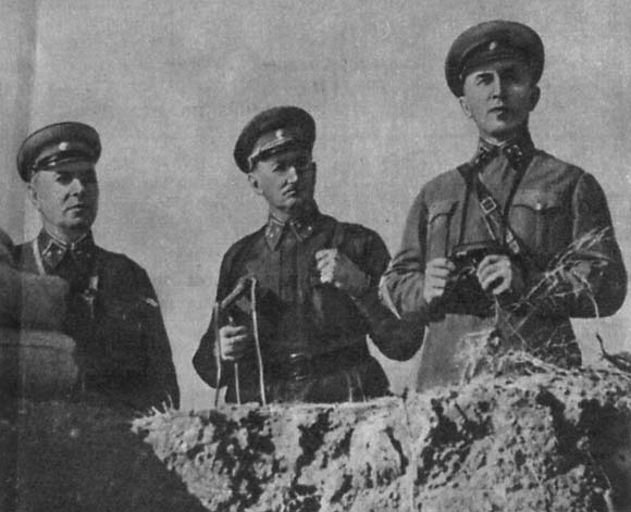 Н. К. Рыжи, И. Е. Петров, Н. И. Крылов. Севастополь 1942 г.