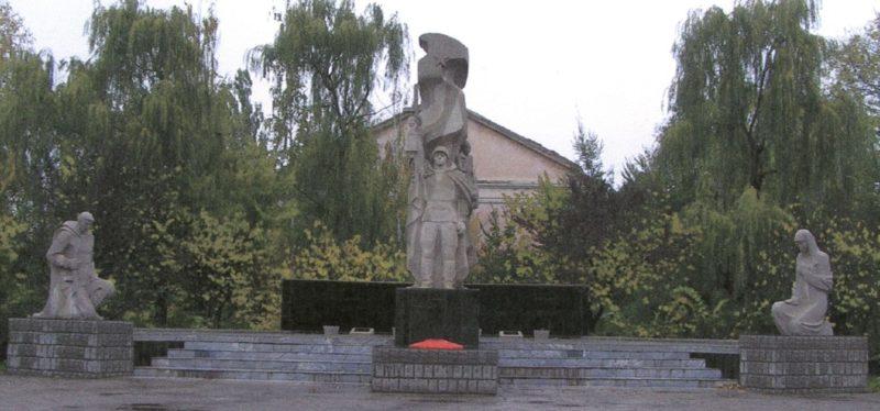 п. Венцы Гулькевичского р-на. Мемориал погибшим землякам.