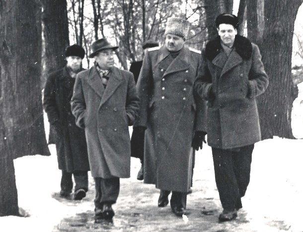 И. В. Болдин в музее-усадьбе «Ясная Поляна». 18 декабря 1958 г.