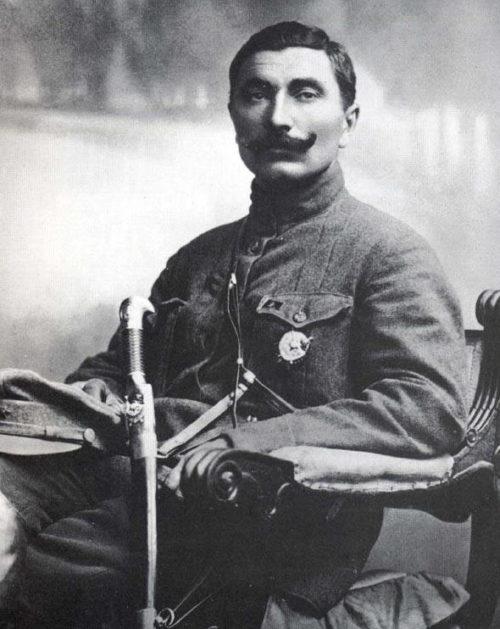 Буденный после награждения первым орденом Красного Знамени. 1919 г.