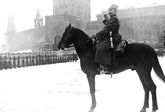 Командующий парадом Буденный. Москва, Красная площадь. 7 ноября 1941 г.