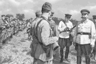 Буденный командует войсками на Северном Кавказе. Лето 1942 года.