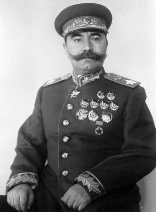 Буденный. 1943 г.