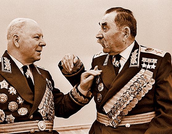 Климент Ворошилов и Семён Будённый. 1948 г.