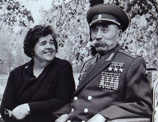 Семен Буденный с женой Марией. 1970 г.