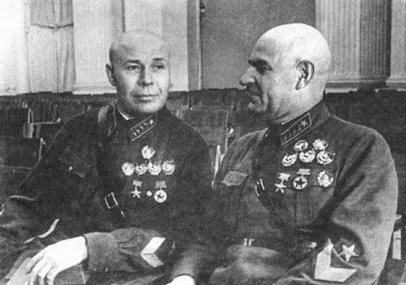 Тимошенко и Кулик. 1939 г.