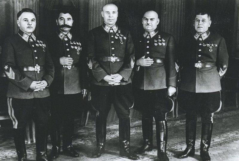 Маршалы: К.Е.Ворошилов, С.М.Будённый, С.К.Тимошенко и Г.И.Кулик. 1940 г.
