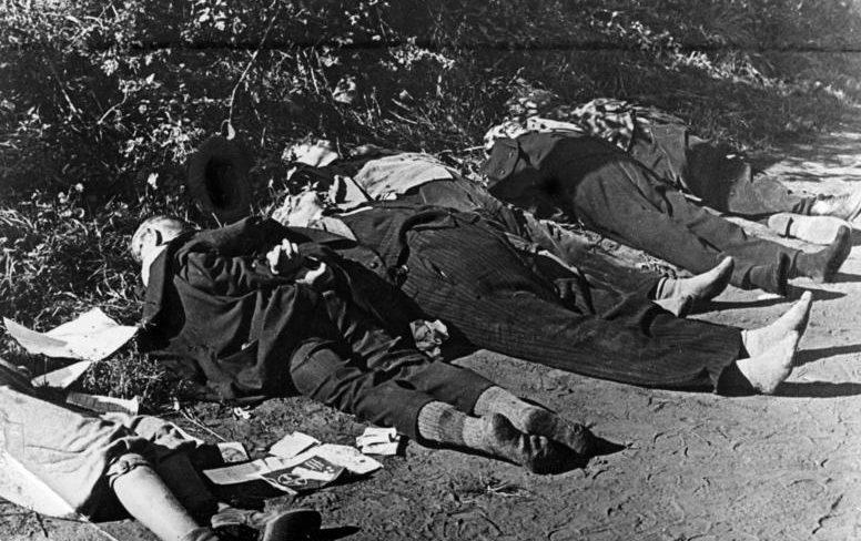 Трупы этнических немцев у Бромберга. 5 сентября 1939 года.