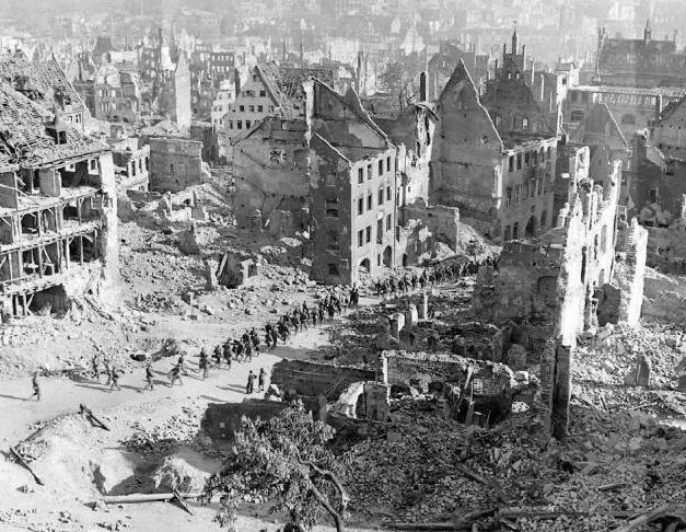 Разрушенная старая часть Нюрнберга.
