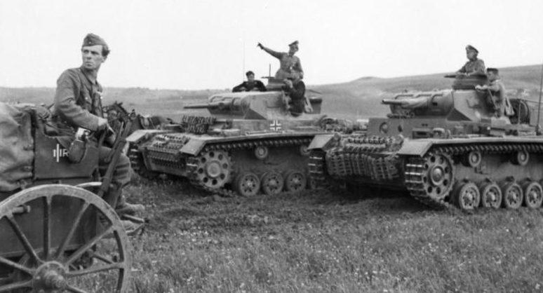 Немецкие танки на Балканах.