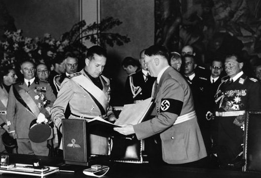 Церемония подписания «Стального пакта».