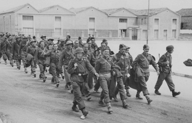 Британские солдаты в немецком плену.