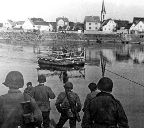 Переправа через Эльбу. Крейниц. 25 апреля 1945 г.