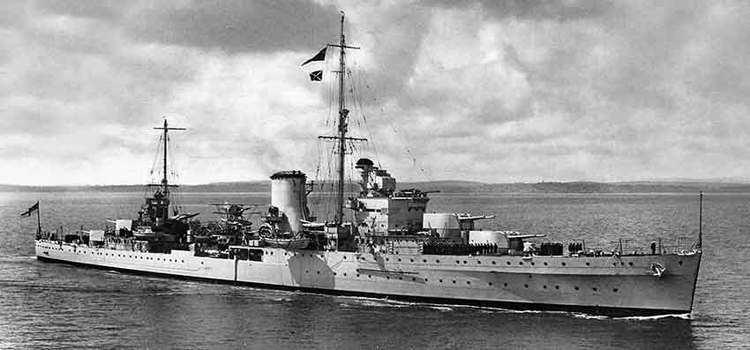 Британский легкий крейсер «Ajax». Скорость 31,25 узла. Вооружение: 8 орудий калибра 152 мм в двухорудийных башнях; 8 зенитных орудий калибра 102 мм. Дальность стрельбы орудий главного калибра 22,85 км.