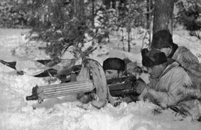 Финские пулеметчики в обороне.