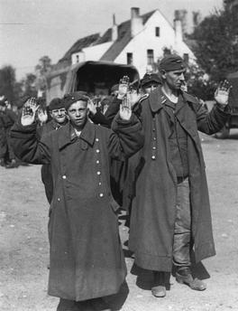 Капитуляция немцев в Бремене.